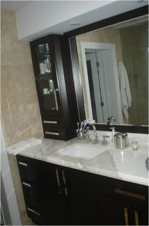 Custom bathroom cabinets vanities dng for Custom bathroom cabinets