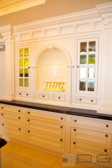 Traditional Kitchen Hutch